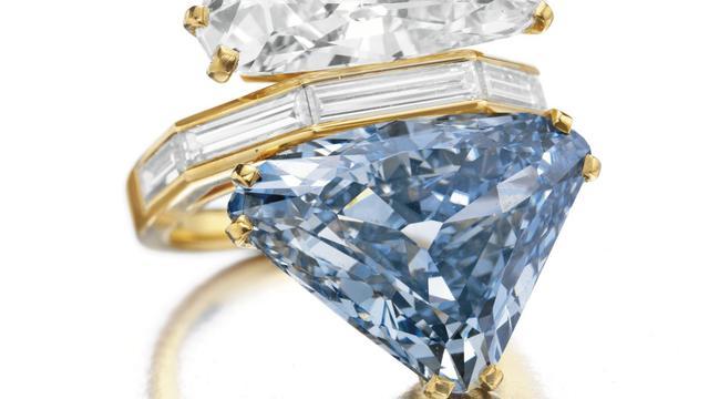 Bvlgari Blue Diamond Ring (AP)