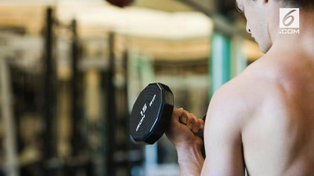 Pemilik tempat gym mengaku bahwa olahraga sambil telanjang memiliki manfaat.