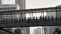 Viral Video Antrean Mengular di JPO, Bukti Orang Indonesia Bisa Tertib