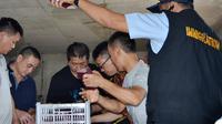 Kantor Imigrasi Kelas I Bengkulu menolak menerbitkan 44 Paspor calon TKI karena Unprosedural (Liputan6.com/Yuliardi Hardjo)