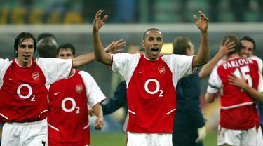 FOTO: Hingga Pensiun, 5 Pemain Hebat Ini Tak Sekalipun Meraih Trofi Ballon d'Or, Mulai Pele hingga Xavi - Thierry Henry