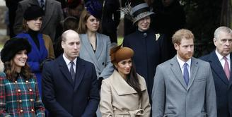 Meghan Markle dan Pangeran Harry dikabarkan tak tahu apa yang harus dilakukan untuk menghadapi Thomas Markle. (Adrian Dennis-AFP)