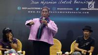 Menteri KKP, Susi Pudjiastuti (tengah) saat berbicara pada talkshow Mari Jaga Laut Masa Depan Bangsa di Hall B JCC, Jakarta, Sabtu (6/4). Menteri Susi menghimbau masyarakat, khususnya komunitas pecinta laut untuk terus menjaga keberlangsungan kehidupan di laut. (Liputan6.com/Helmi Fithriansyah)
