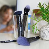 Ilustrasi makeup   unsplash.com/@brandless
