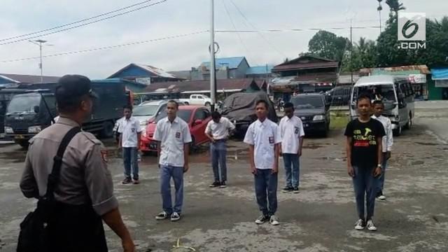 Satu persatu siswa juga diminta untul melafalkan Pancasila.