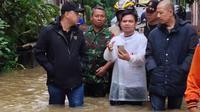 Banjir di Tangerang, Rabu (1/1/2020). (Liputan6.com/ Pramita Tristiawati)