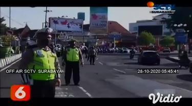 Tokoh fiksi, Iron Man menghebohkan pengendara lalu lintas di Jalan Raya Gajah Mada Kecamatan Mojosari, Kabupaten Mojokerto. Operasi Zebra mengenakan kostum super hero, menyasar kelengkapan kendaraan, dan yang tidak patuh protokol Covid-19.