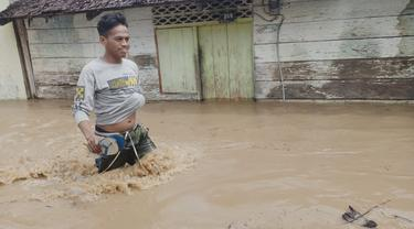 Banjir bandang yang menerjang sejumlah wilayah di Kabupaten Pohuwato (Arfandi Ibrahim/Liputan6.com)