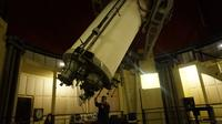 Teleskop Zeiss, salah satu koleksi teleskop di Observatorium Bosscha yang masih aktif digunakan sebagai pengamatan bintang. (Huyogo Simbolon)