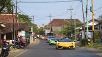 Pemilik supercar yang tergabung dalam Brotherhood Club Indonesia (BCI) menggelar kegiatan touring dari kota Banyuwangi hingga ke pulau Bali (ist)