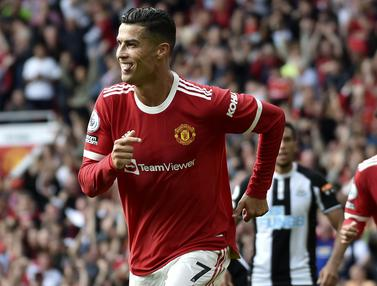 Foto: Termasuk Ronaldo, 5 Pencetak Gol Tertua di Manchester United