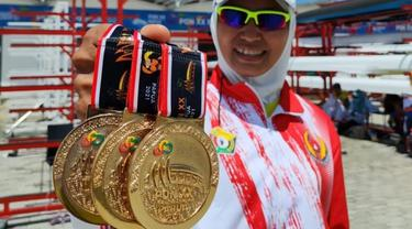 Julianti, atlet dayung Sulawesi Tenggara peraih 3 medali emas PON Papua 2021.(Liputan6.com/Ahmad Akbar Fua)