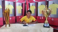 Achmad Jufriyanto resmi berlabuh di Bhayangkara FC dengan durasi kontrak 1 tahun. (dok. Bhayangkara FC)