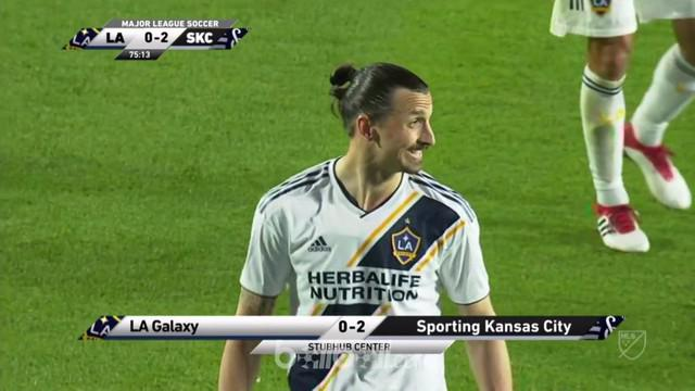 Berita video LA Galaxy, yang diperkuat Zlatan Ibrahimovic, kalah 0-2 dari Sporting Kansas di MLS 2018. This video presented by BallBall.