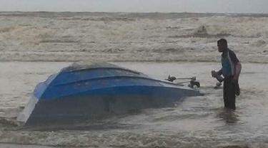 Perahu Pengangkut TKI Ilegal Karam di Johor, 7 Orang Meninggal
