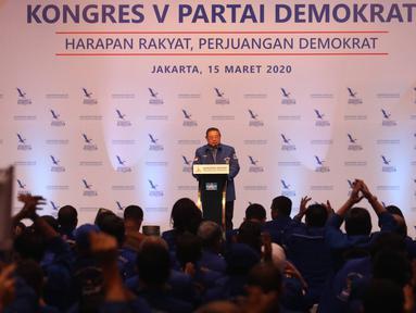 Ketum Partai Demokrat Susilo Bambang Yudhoyono memberikan pidato politik dan membuka Kongres ke V Partai Demokrat, Jakarta, Minggu (15/3/2020). SBY menyampaikan pidato politik terakhirnya sebagai ketua partai dimana posisinya akan digantikan Agus Harimurti Yudhoyono. (Liputan6.com/Angga Yuniar)