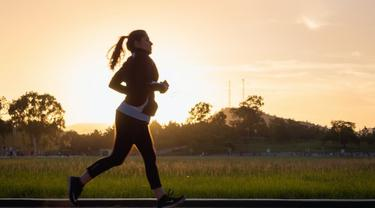 Ilustrasi aktif bergerak hindari nyeri otot.