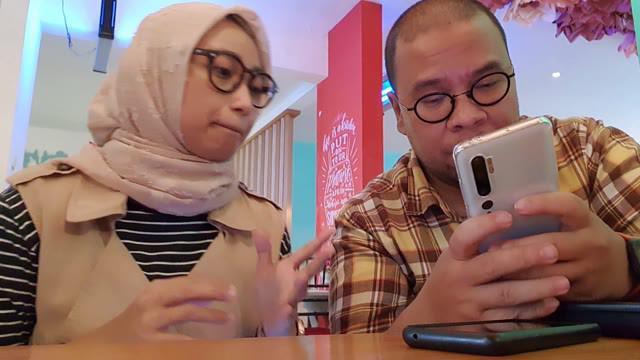 Tim Tekno Liputan6.com berkesempatan mengulas smartphone flagship pertama Xiaomi di Indonesia, Mi Note 10 Pro yang ditunggu-tunggu Mi Fans. Penasaran seperti apa ulasan singkat Agustin dan Yus, saksikan videonya.