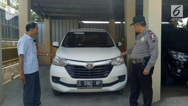 Jelang pemilu, seorang caleg di Brebes, Jawa Tengah diduga lakukan penggelapan mobil. Tindakan ini bisa berbuah pencalonan sang caleg gagal.