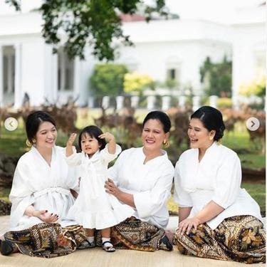 Foto Iriana Jokowi Bareng Anak dan Menantu diunggah di Hari Ibu