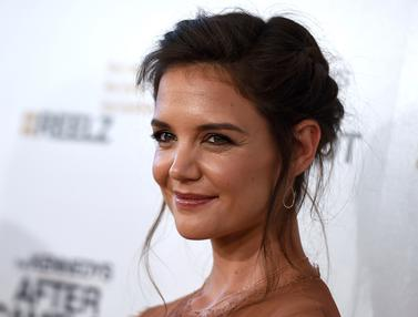 Katie-Holmes-The-Kennedys