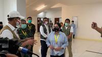 Di RS Darurat Wisma Atlet, Jakarta, Senin (25/5/2020), Nurhayati, relawan dari Kementerian Kesehatan, menyampaikan pesan kepada masyarakat supaya mematuhi protokol COVID-19 supaya ia dan petugas relawan lain bisa cepat pulang. (Dok Badan Nasional Penanggulangan Bencana/BNPB)
