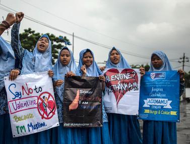 Pelajar Surabaya Tolak Perayaan Valentine