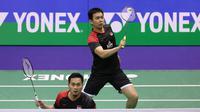 Ganda putra Indonesia Hendra Setiawan / Mohammad Ahsan saat berlaga di final Hong Kong Open 2019, Minggu (17/11/2019). (foto: PBSI)