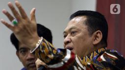 Ketua MPR Bambang Soesatyo memberikan pemaparan Refleksi Akhir Tahun di Kompleks Paerlemen, Senayan, Jakarta, Rabu (18/12/2019). Dalam pemaparannya, Ketua MPR meluruskan dan membantah tentang amademen UU dasar mengenai pokok tentang jabatan Presiden lebih dari dua Tahun. (Liputan6.com/Johan Tallo)