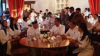 Presiden terpilih Jokowi bersama wakilnya Ma'ruf Amin menghadiri acara pembubaran Tim Kampanye Nasional (TKN) di Restoran Seribu Rasa Menteng, Jakarta. (Istimewa)