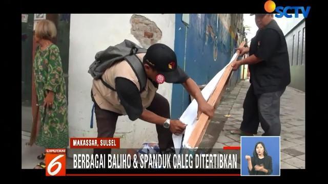 Berbagai bentuk baliho yang terpasang pada tembok dan pohon di Jalan Tentara Pelajar, Jalan Salemo, dan Jalan Tarakan dicopot dan diturunkan.