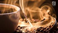 Sajian minuman kopi kini hadir kian beragam. Seperti minuman yang satu ini. Apa jadinya bila kopi dicampur dengan beragam alkohol? (Istockphoto)