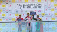Pembalap AHRT, Rheza Danica Ahrens dan Mario Suryo Aji, finis satu-dua pada balapan pertama Asia Road Racing Championship (ARRC) Australia, Sabtu (21/4/2018). (Humas ARRT)