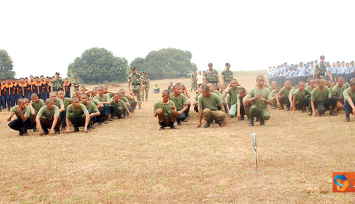 Citizen6, Subang: Kegiatan base camp angkatan pertama diikuti 81 siswa terdiri  47 siswa SMKN 2 Subang dan 34 dari SMK Angkasa Kalijati. (Pengirim: Dodo)