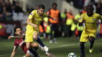 Gelandang Chelsea, Jorginho, bermain impresif saat gagal mengalahkan West Ham United dalam laga lanjutan Premier League 2018-2019, di London Stadium, Minggu (23/9/2018). (AP Photo/Matt Dunham)