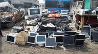 Pembuangan Sampah Elektronik di Ghana. Kredit: Flickr/Agbogbloshie Makerspace Platform