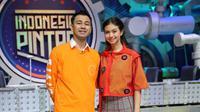 Raffi Ahmad dan Yuki Kato memandu acara Indonesia Pintar.