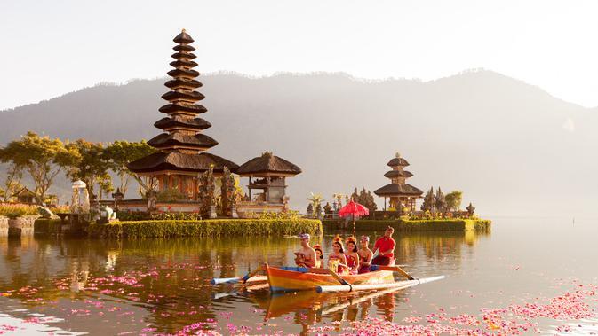 Nggak usah bingung mau kemana saat tiba di Bali, yuk, kunjungi 4 objek wisata ini!