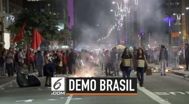 Kota Sao Paolo dipenuhi dengan massa yang berdemonstrasi menentang kebijakan Presiden Brasil. Demonstrasi digelar bersamaan dengan pembukaan Copa America.