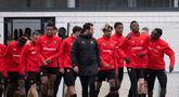 Para pemain Rennes tiba untuk mengambil bagian dalam sesi latihan di pusat pelatihan Piverdiere di Rennes, Prancis barat (23/11/2020). Rennes akan bertanding melawan Chelsea pada Grup E Liga Champions di Roazhon Park. (AFP/Loic Venance)