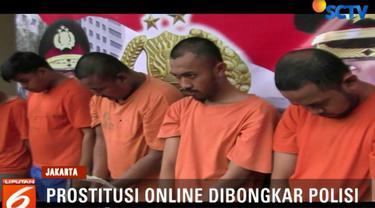 Para tersangka juga menyediakan transaksi prostitusi online dan yang bisa di booking oleh member grup.