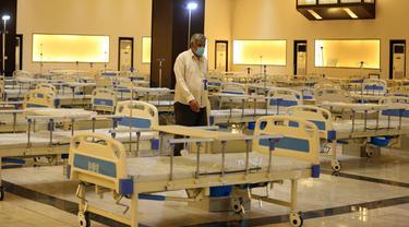 Aula Gedung Pameran Internasional Baghdad yang dialihfungsikan menjadi rumah sakit darurat, Baghdad, Irak, Senin (22/6/2020). Menteri Kesehatan Irak Hassan al-Tamimi mengatakan bahwa Irak sedang mendekati puncak infeksi COVID-19. (Xinhua)