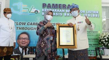 Surveyor Indonesia peroleh penghargaan dari Gubernur Jawa Barat