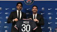 Nomor punggung 30 dipilih oleh Lionel Messi setelah resmi menjadi pemain Paris Saint-Germain. Nomor tersebut ternyata pernah digunakan Messi ketika menjalani awal karier di Barcelona pada musim 2004/2005 silam. (Foto: AFP/Stephane De Sakutin)