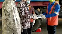 Wamendag Jerry Sambuaga melepas ekspor PT Fajar Surya Wisesa tbk, sebuah pabrik kertas kemasan terbesar Indonesia yang berlokasi di Cikarang.