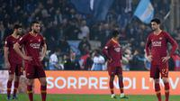 AS Roma kalah 0-3 dari Lazio di laga Derby della Capitale Serie A, Sabtu (2/3). (AFP/Tiziana FABI)