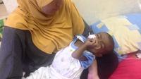 Balita berusia sepuluh bulan pasangan Fitriyanti Irawati dan Catur Setya Wibowo ini divonis dokter menderita Atresia Bilier.
