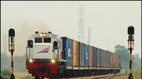 Ilustrasi kereta api barang. (via: supplychainindonesia.com)