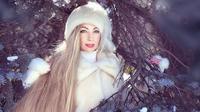 Alena Kravchenko asal Ukraina memiliki rambut panjang yang dijuluki Rapunzel dalam kehidupan nyata (dok.instagram/@alenuwka_longhair/https://www.instagram.com/p/B9JMI-ihiCl/Komarudin)