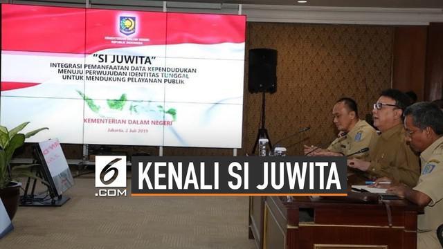 Si Juwita adalah program milik Kemendagri yang telah menyabet penghargaan. Kepanjangan dari 'Pemanfaatan Data Kependudukan Terintegrasi Secara Online untuk mewujudkan Single Identity Number'.
